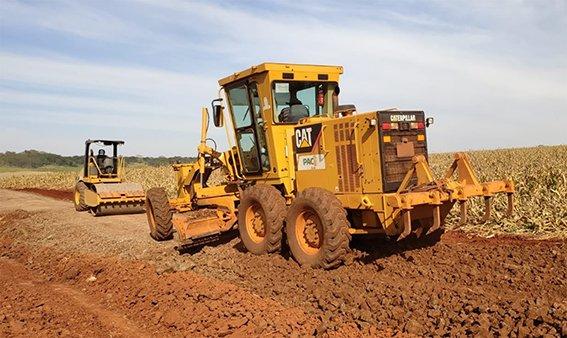 Trabalho nas estradas rurais de Sertanópolis continua